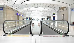 airport-2471662_1920